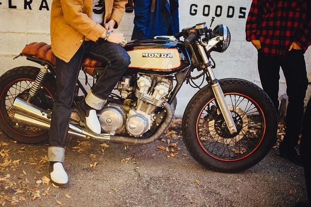 Kontrola motocyklu před koupi