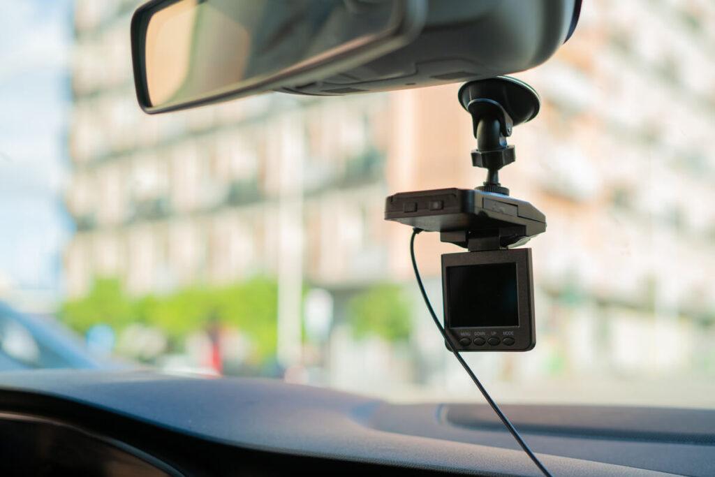 Autokamera na čelním skle